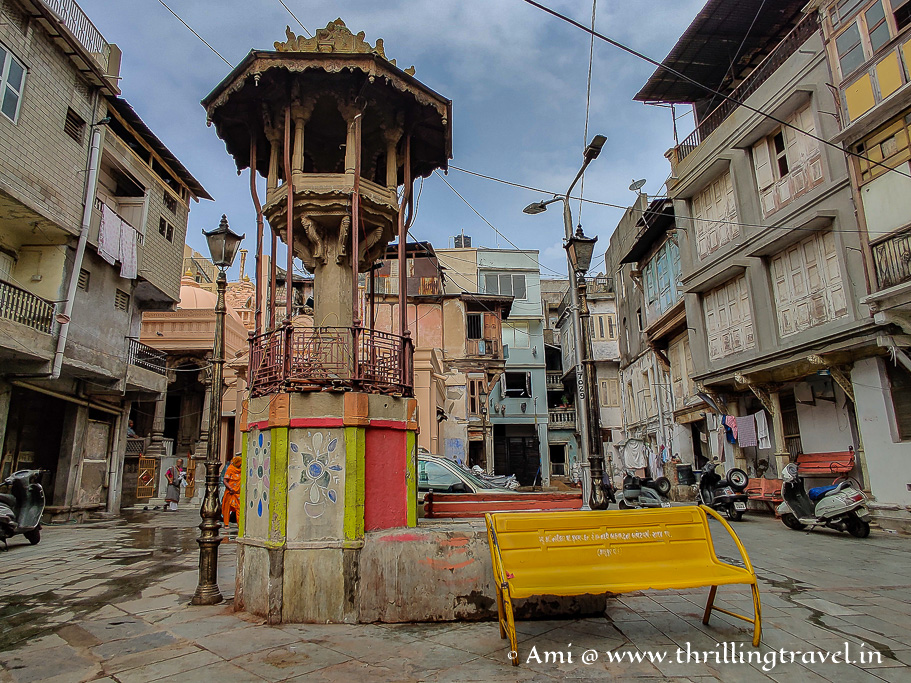 Shanthinath Ni Pol - a very picturesque pol that you can see during your heritage tour in Ahmedabad