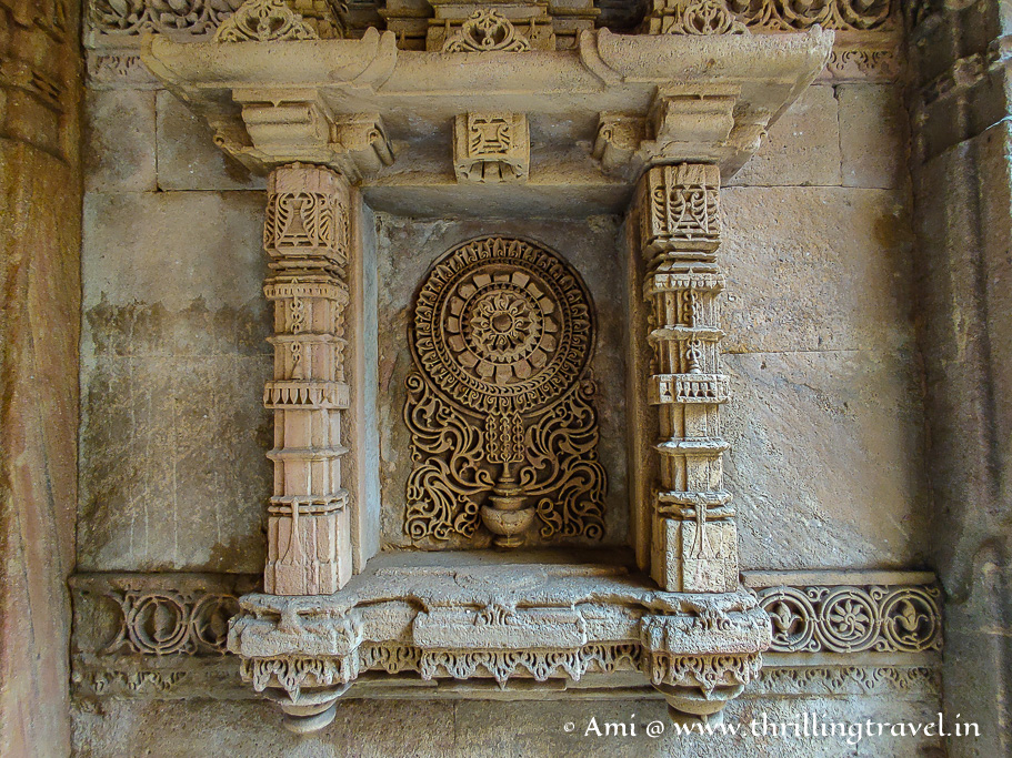 Ami Khumbor - the pot containing the water of life - a must-see Adalaj stepwell carving